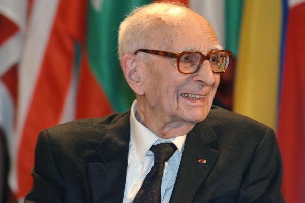 Lévi-Strauss, o antropólogo que fundou o estruturalismo.[1]