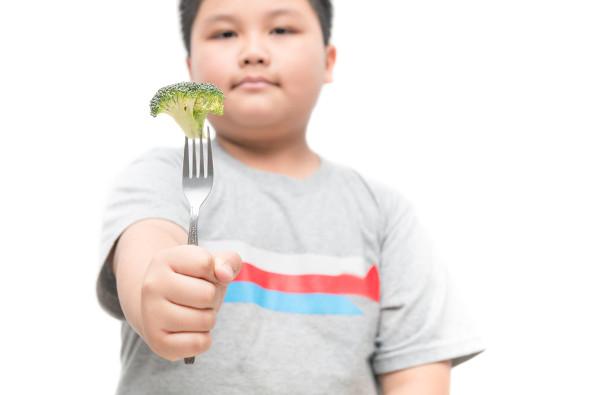 Mudar a alimentação é fundamental para controlar o aumento de peso.
