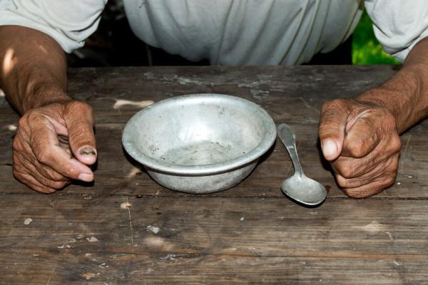 A fome é um problema que afeta milhões de pessoas em todo o mundo.