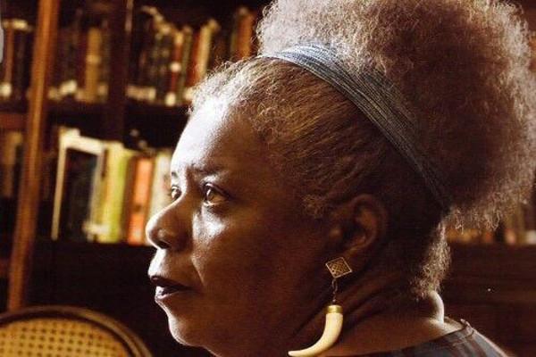 Conceição Evaristo é um grande nome da literatura negra contemporânea. [3]