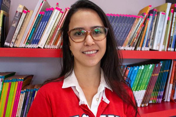 Jéssica Dorta, professora de Português e Redação do Oficina do Estudante